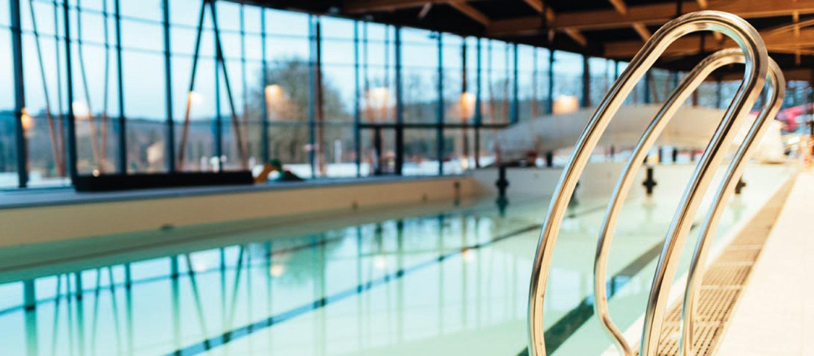 La piscine du lac de saint pardoux lac saint pardoux en for Piscine tarif